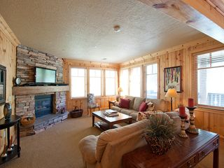 Deer Valley condo photo - The living room with gas fireplace and big screen TV.