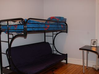 Eckington townhome photo - Bedroom 2, bunkbed with twin on top, full futon on bottom.