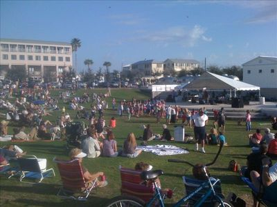 Free outdoor concerts at Seaside