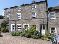 WHITE ROSE COTTAGE, pet friendly in Middleham, Ref 26055
