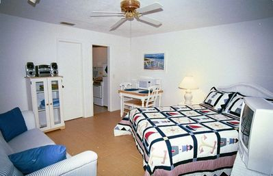 Second bedroom w/ queen bed doubles as studio w/ kitchen, own entry.
