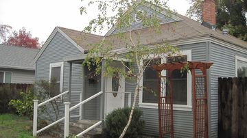 Lodi house rental - Front view on a cloudy day.