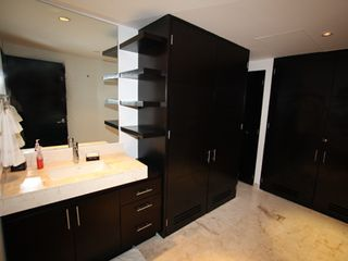Playa del Carmen condo photo - Master Bathroom