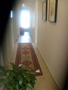Istanbul condo rental - Hallway to the bedrooms.