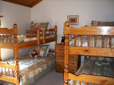 McHenry townhome rental - Bunkhouse: Guest Bedroom #3