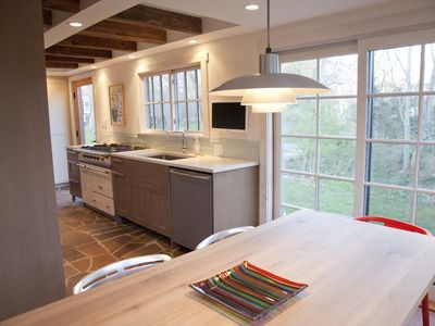 Shelter Island barn rental - The dining area off of the kitchen.
