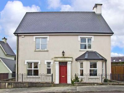 12 THE LAWN, with a garden in Castletownshend, County Cork, Ref 11863