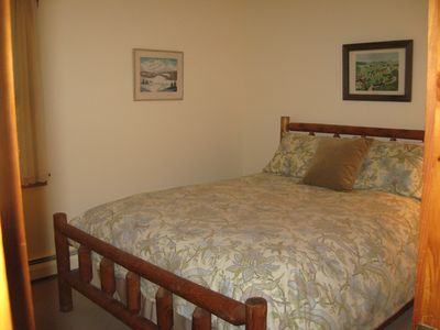 Killington farmhouse rental - Queen Size Log Bed adjoins 1/2 bath