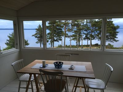 Cozy cottage with stunning lake views of Lake Vänern near Lidköping