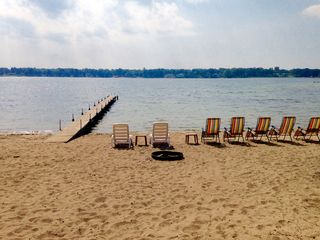Large family lake house visit muskegon homeaway wolf for Muskegon cabin rentals
