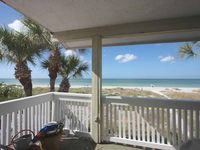 Newly Renovated Beach Cottage With Fabulous Views  /  Port Holiday