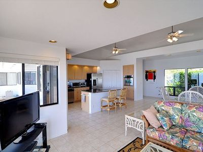 Holualoa house rental - Living Room with new entertainment center & furniture.