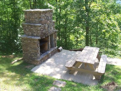 Stack Stone Outdoor Fireplace & Grill