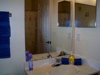 Venetian Bay townhome photo - Upstairs tub/shower