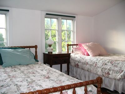 Edgartown cottage rental - Upstairs Bedroom (3 Singles)