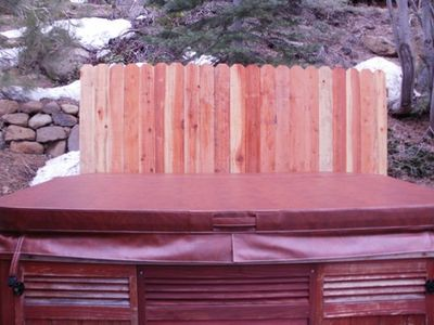 New snow and erosion wall provides protection and privacy