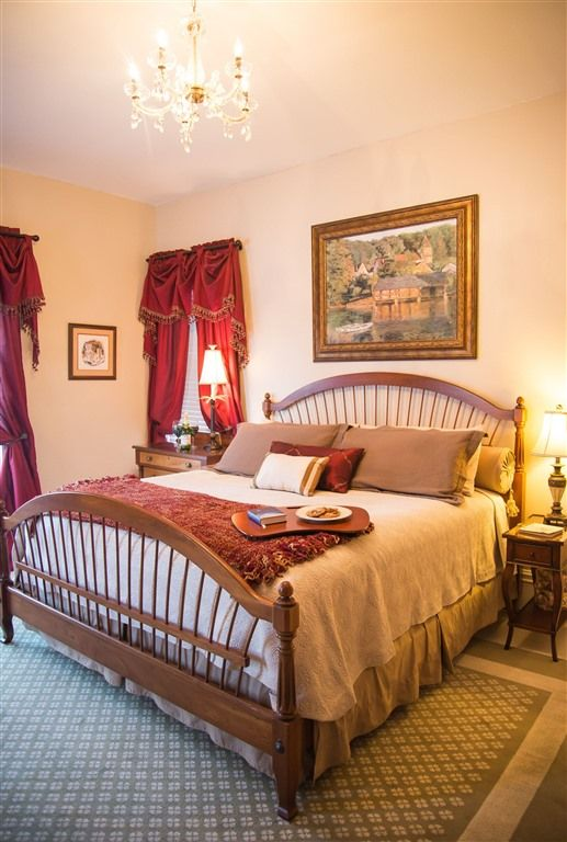 Bed & Breakfast: Blessings on State Bed & Breakfast - Tranquility Suite - king bed