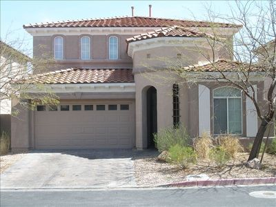 Elegant Summerlin Home, Fully DETACHED, 2 Car Garage with Remove