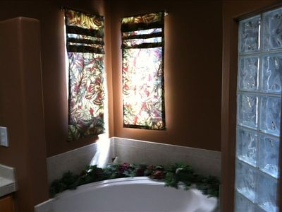 Lake Havasu house rental - master bath