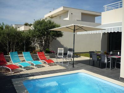 At 200 meters from the beach, in a chic, new villa with pool.