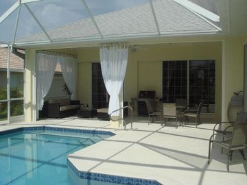 Cape Coral villa rental - Villa White Ibis - outdoor with lounge and dining area