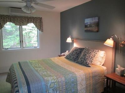 The Master Bedroom - Queen Bed