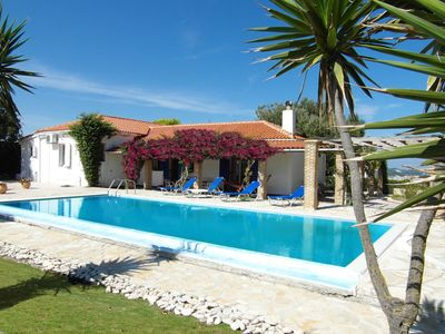 Exceptional villa with panoramic sea views. Secluded & convenient Large pool