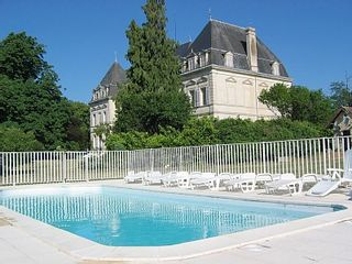 Jonzac area castle photo - Chateau from the pool