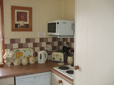 Isle of Bute & Cowal Peninsula cabin rental - Fully-equipped kitchen, with dishwasher