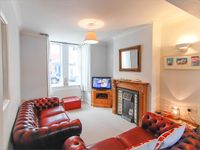 Regent Cottage - Within 300meters Of Shops, Harbour, Beach and Railway Station