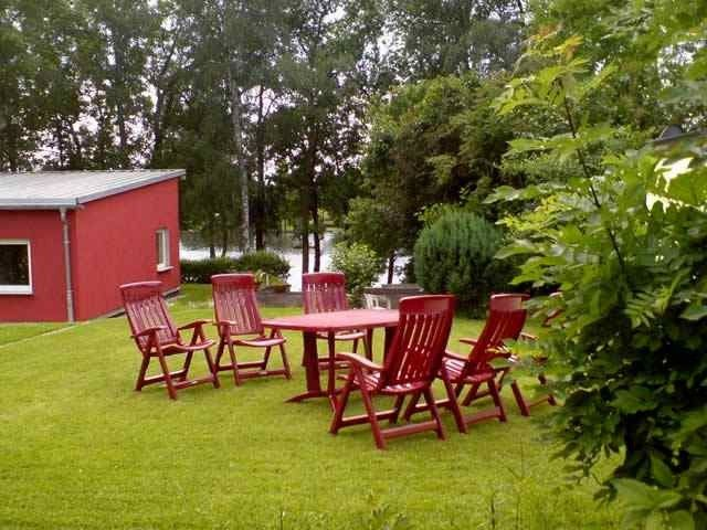 Cottage on the lake with boat up to 6 people., Many mushrooms, fishing area, Baden