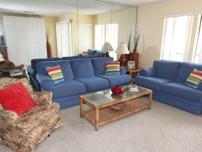 8105 Sandpiper Cove - Family Room