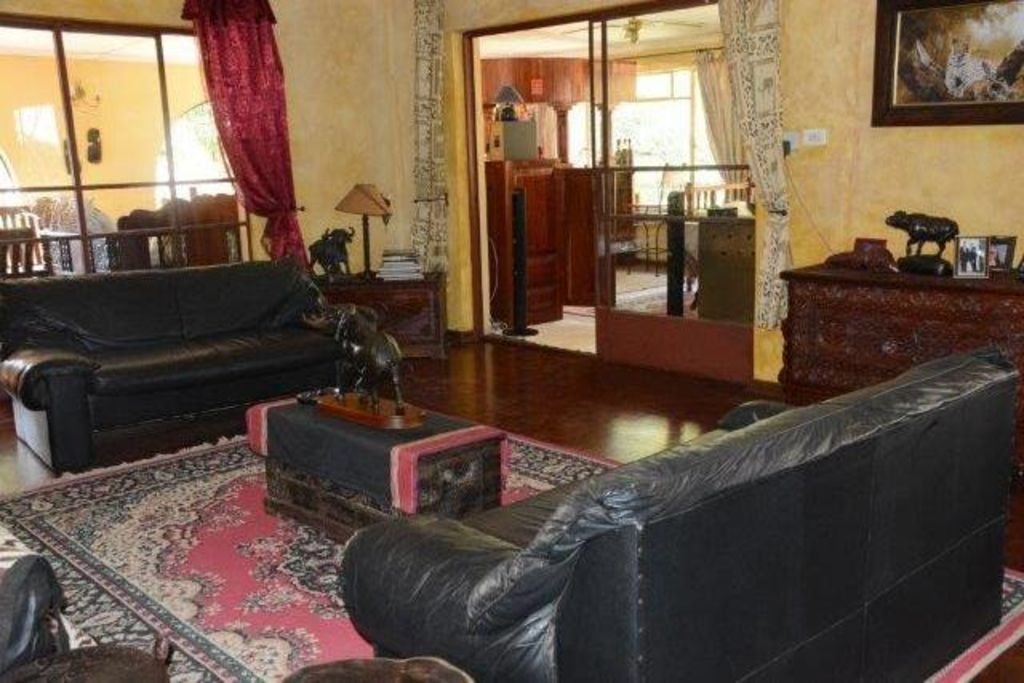 4 Bedroom House Adjacent To The Victoria  Falls National Park