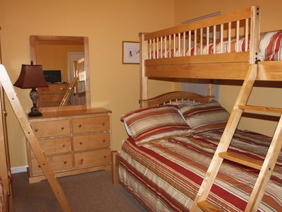 Fort Morgan house rental - bunk room