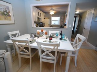 New Smyrna Beach condo photo - Dining for 6