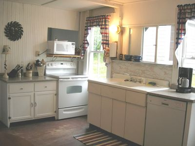 Fully stocked kitchen with microwave and dishwasher!