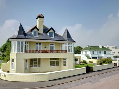 Spindrift is a fabulous apartment in a stunning location on Deal seafront