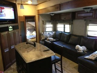 Rv Gorgeous 2 Bedroom 1 5 Bath 5th Wheel P Vrbo