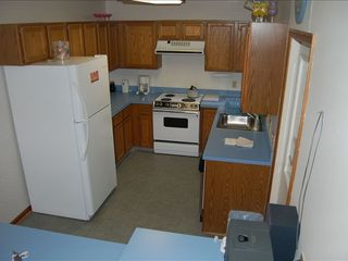 Massanutten house photo - Full-service kitchen with bar adjoining great room