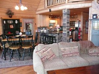 Blue Ridge cabin photo - Tuckaway Ridge Living Room, Dining Room