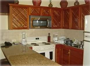 6. Full kitchen with granite countertops