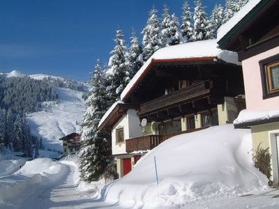 Luxury ski chalet very close to lifts