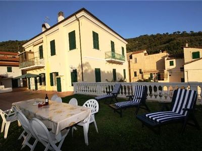 Apartment for 10 people with pool, in Italian Riviera