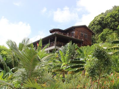 Spectacular Villa situated in a Tropical Garden with Panoramic Ocean View/Breeze