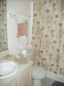 Clear Creek villa rental - Bathroom 2 with Bath Shower and Washbasin