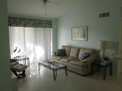 Naples condo rental - Living Room
