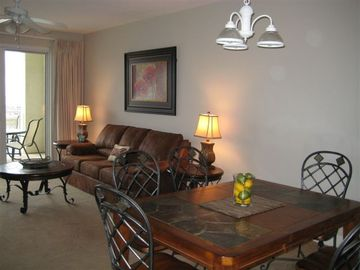 Ariel Dunes condo rental - Spacious living and dining room with all the amenities of home
