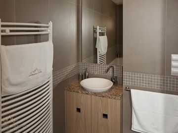 Andrassy 2 Apartment - Bathroom