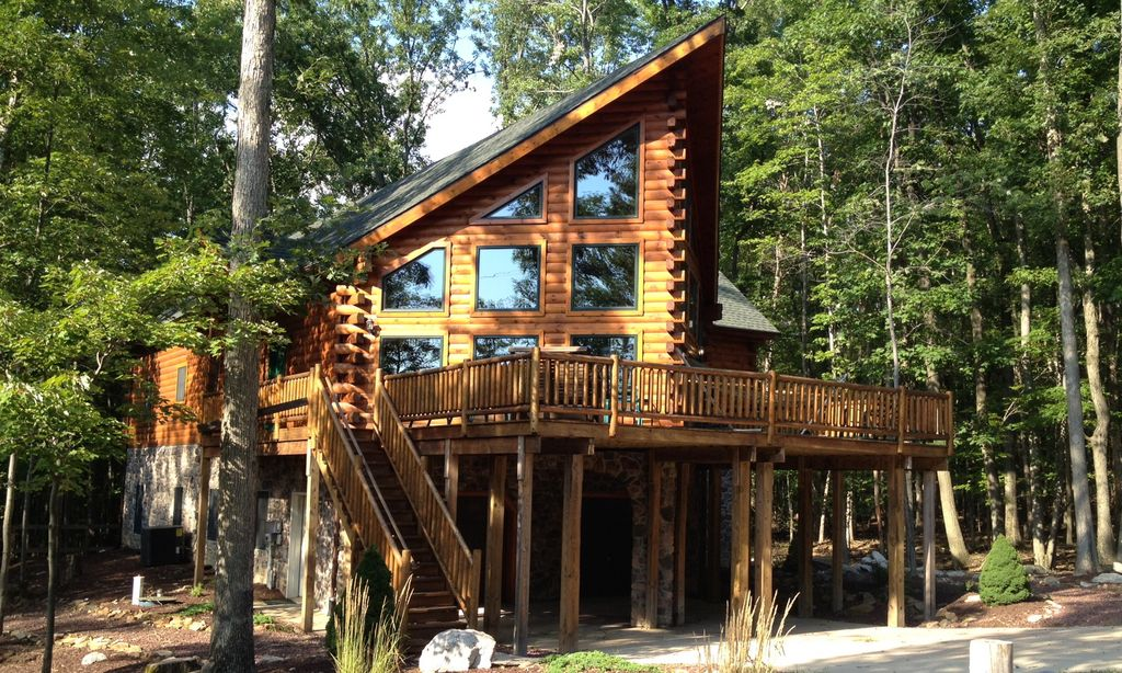 Mountain view chalet our log cabin rental in blue mnt poconos property owners 5 br vacation - Alpine vacation houses ...