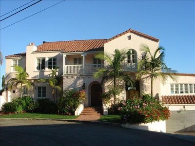 Luxury hillside home just above the sunset vrbo for Home for sale los angeles ca